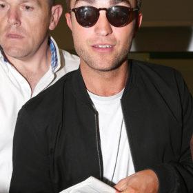 Robert Pattinson: «Δεν έχω βρει ακόμη τα πατήματά μου ως ηθοποιός»
