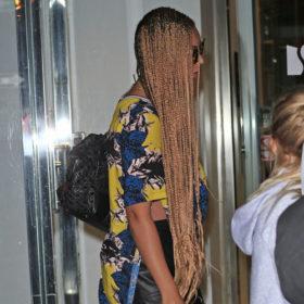 Guess who: Ποιά τραγουδίστρια απέκτησε σε ένα βράδυ μαλλιά Ραπουνζέλ;