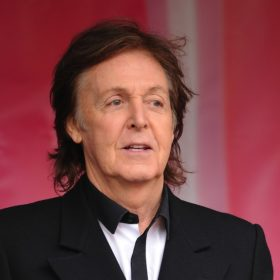 Εκτάκτως στο νοσοκομείο ο Paul McCartney: Ακύρωσε την περιοδεία του