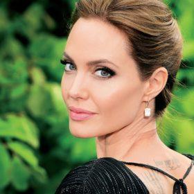 H Angelina Jolie μιλάει για όλα: «Η ζωή μου έχει αλλάξει εντελώς»