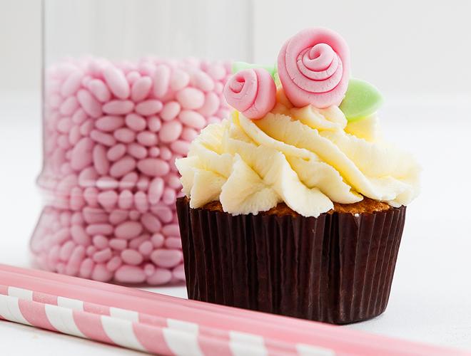 chocolate cupcakes me krema
