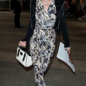 Get the Look: Αντιγράψτε το σύνολο της Paris Hilton