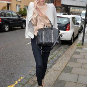 Η Rosie Huntington-Whiteley με Givenchy
