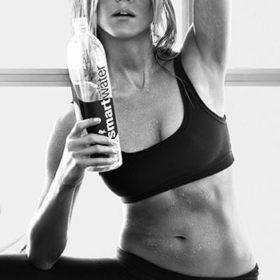 5 στάσεις yoga για να αποκτήσετε το σώμα της Jennifer Aniston