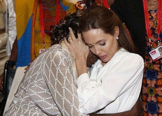 Jolie-,  sugkinisi, peoplegreece