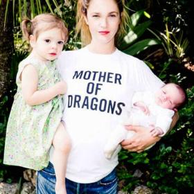 Drew Barrymore: Στο πλαίσιο φιλανθρωπικού σκοπού μας συστήνει την δεύτερη κορούλα της