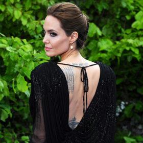 Angelina Jolie: Τα παιδιά της είναι παθιασμένα με τα τατουάζ της