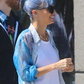 True blue: H Nicole Richie έβαψε τα μαλλιά της μπλε και εξήγησε γιατί