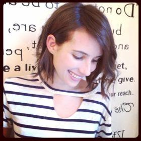 Just like magic! H Emma Roberts μάκρυνε τα μαλλιά της σε ένα βράδυ