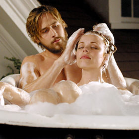 «The Notebook»: Γιατί ο Ryan Gosling δεν ήθελε να βλέπει την Rachel McAdams στα γυρίσματα;