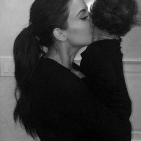 Από την μαμά με αγάπη: Έτσι βάζει για ύπνο η Kim Kardashian την κόρη της