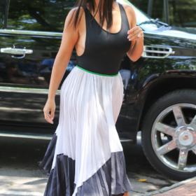 Η Kim Kardashian στην εκκλησία: «Η οικογένεια που προσεύχεται μαζί, μένει μαζί»