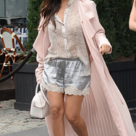 Kourtney Kardashian: Δείτε τη με μπικίνι στους πρώτους μήνες της εγκυμοσύνης της