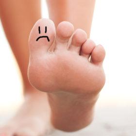 Μας ρωτήσατε: Κάτι δεν πάει καλά με τα νύχια των ποδιών μου, φταίει το βερνίκι;
