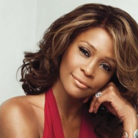 Τι γνώμη έχει η μητέρα της Whitney Houston για την ταινία με θέμα τη ζωή της;