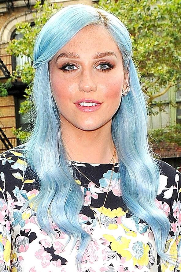 kesha ble mallia blue hair