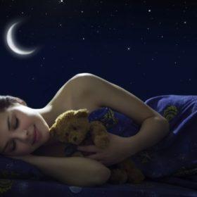Πέντε πολύ καλοί λόγοι για να κοιμάστε γυμνοί