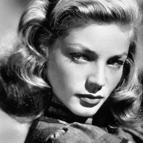 Lauren Bacall: Η ηθοποιός και σύμβολο στιλ έφυγε από τη ζωή σε ηλικία 89 ετών