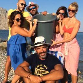 Ice Bucket Challenge: Ο Νίκος Αλιάγας υπέκυψε στην πρόκληση και η γυναίκα του τον μπουγέλωσε