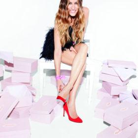 Η νέα σειρά παπουτσιών της Sarah Jessica Parker είναι γεγονός