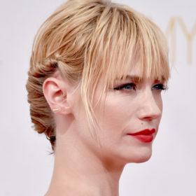 Αντιγράψτε το τέλειο up do της January Jones από τα Emmy Awards