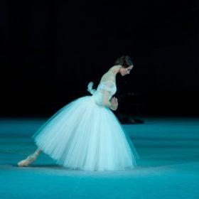 Η απόλυτη μπαλαρίνα Svetlana Zakharova έρχεται στο Μέγαρο Μουσικής