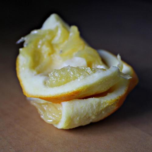 ta nixia mou einai kitrina lemon