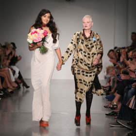 Vivienne Westwood: Μαζί με την εγγονή της στην Εβδομάδα Μόδας στο Λονδίνο