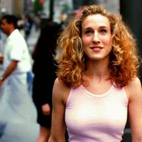 Sarah Jessica Parker: Ποια απροσδόκητη συνεργασία έκανε η τηλεοπτική Carrie Bradshaw;