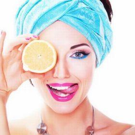 10 τρόποι να γίνεις πιο όμορφη χρησιμοποιώντας λεμόνι