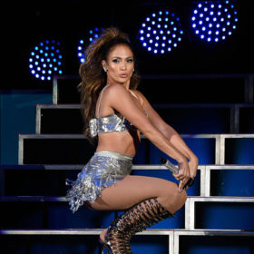 Jennifer Lopez: Και πάλι με δημιουργία της Celia Kritharioti