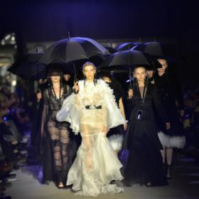 La Pluie: Όλες οι λεπτομέρειες για το ξεχωριστό fashion show των Mi-Ro