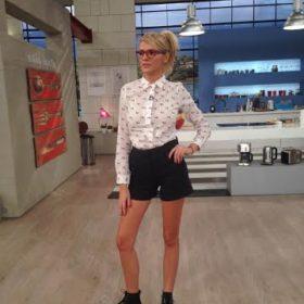 Τι επέλεξε να φορέσει η Σάσα Σταμάτη σήμερα στο «Πρω1νό»;