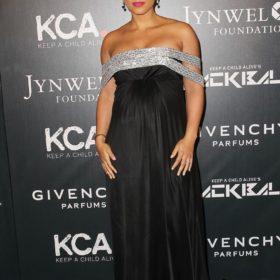 Alicia Keys: Η εντυπωσιακή εμφάνιση της εγκυμονούσας σε event