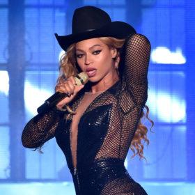 Beyoncé: Ετοιμάζει δεύτερο άλμπουμ- έκπληξη;