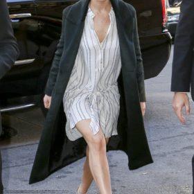 Η Jennifer Lawrence με Aquazzura