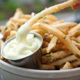 Δέκα πολύ «κακές» τροφές που δεν είναι και τόσο κακές τελικά