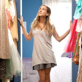 12 ερωτήσεις που κάθε γυναίκα έχει κάνει στον εαυτό της σχετικά με τα ρούχα της