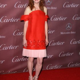 H Julianne Moore με Delpozo