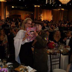 Χρυσές Σφαίρες 2015: Όταν η ανταποκρίτρια της Βόρειας Κορέας φωτογραφήθηκε με την Meryl Streep