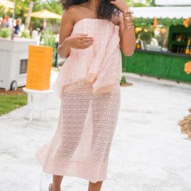 Η Solange Knowles φοράει πρώτη το ωραιότερο ανοιξιάτικο σύνολο