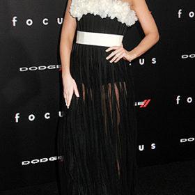 Η Margot Robbie με Giambattista Valli