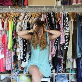 7 tips για να διατηρούνται τα ρούχα σας τέλεια διπλωμένα και απαλά στη ντουλάπα σας