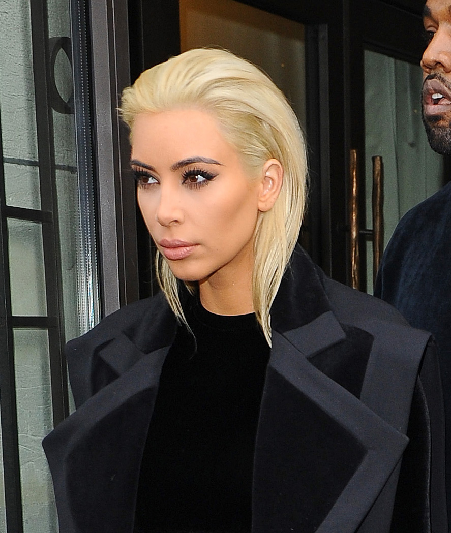 kim-kardashian-platine-ksanthia-kontino