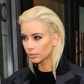 Snow White! H Kim Kardashian με ΑΚΟΜΑ πιο ανοιχτόχρωμα μαλλιά!