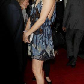 Η Charlize Theron με Gucci