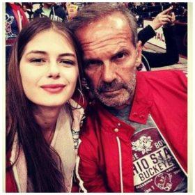Ο Κωστόπουλος μιλάει για το bullying που υπέστη η κόρη του και τον τρόπο που το αντιμετώπισε