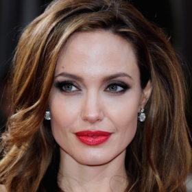 Η απώλεια βάρους της συγκλονίζει: Θρίλερ με την υγεία της Angelina Jolie, ζυγίζει μόλις 37 κιλά