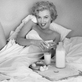 5 σούπερ τροφές για έναν υγιή ύπνο