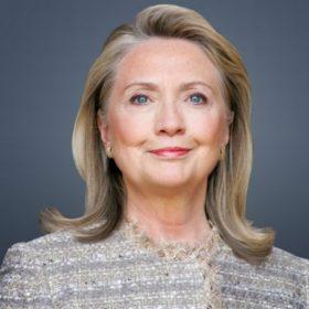 Hillary Clinton: Μία γυναίκα υποψήφια για την προεδρία των ΗΠΑ